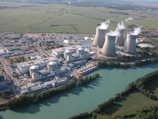 Французы, внезапно решили приостановить работу пяти атомных реакторов