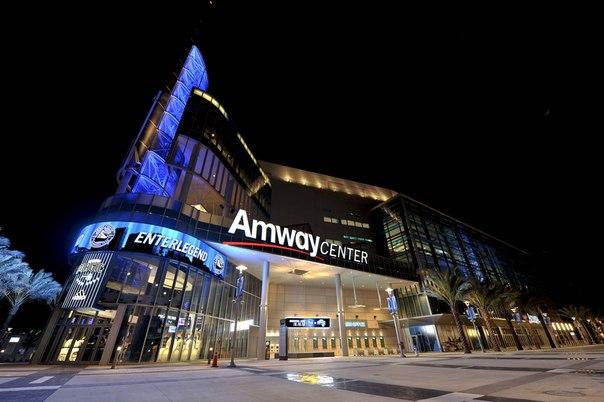 ФСБ России проводит обыск в офисе американской компании Amway