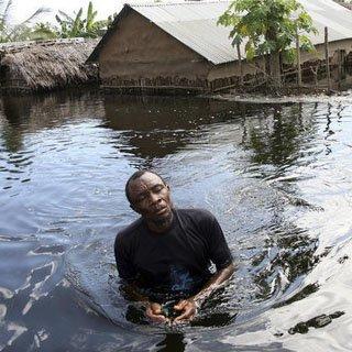 Столица Ганы переживает две катастрофы