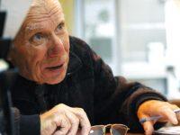 Где и как поменять электронное пенсионное удостоверение после окончания срока действия?