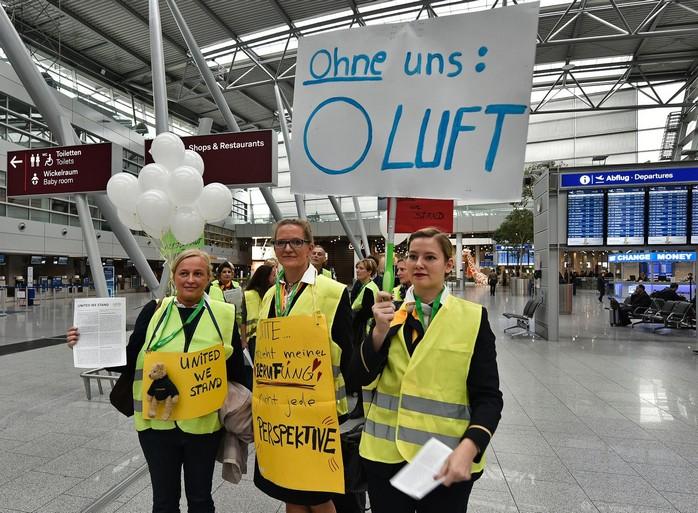 Германия: из-за забастовки бортпроводников отменили почти все авиарейсы