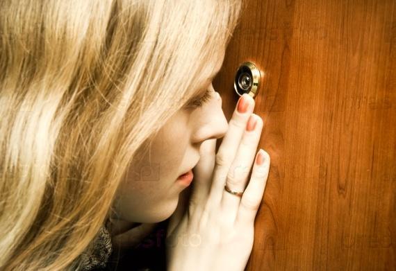 Дверные глазки - виды и преимущества