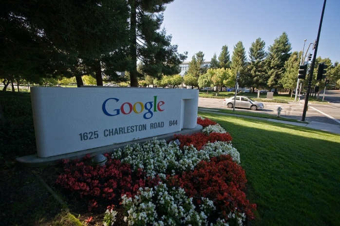 Google накажет сайты за публикацию фейковых новостей