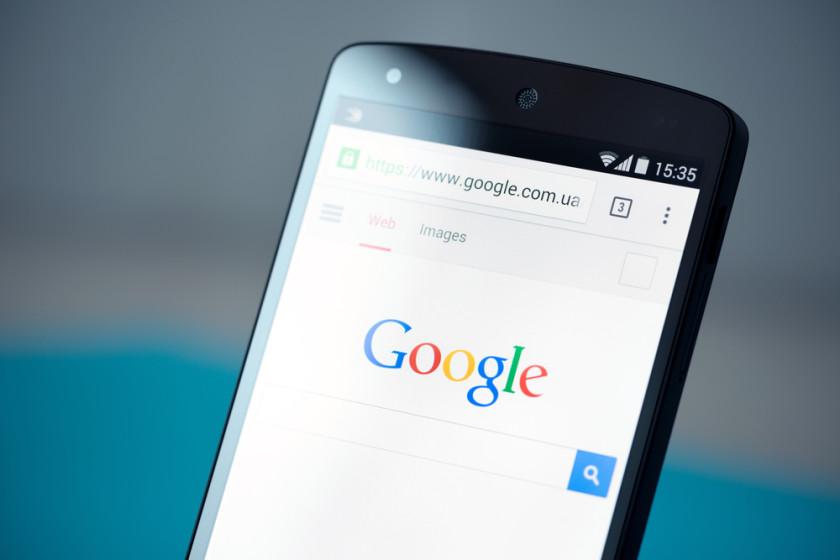 Google разделит поисковую выдачу для компьютеров и телефонов