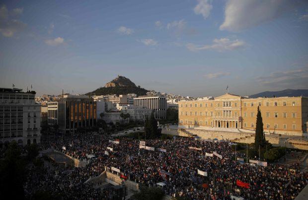 В Греции около 17 тысяч человек вышли на митинги