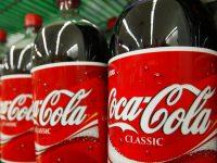 Greenpeace: компания Coca-Cola выпускает более 100 млрд одноразовых бутылок