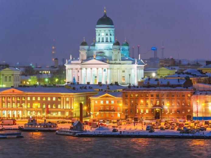 Финляндия предоставит каждому гражданину безвозмездно 800 евро в месяц