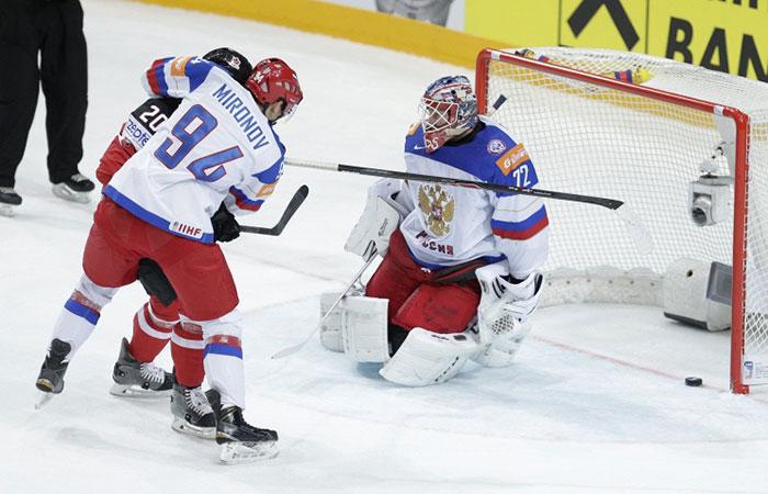 Сборную России по хоккею, вернувшуюся с Чемпионата мира, бойкотировали болельщики