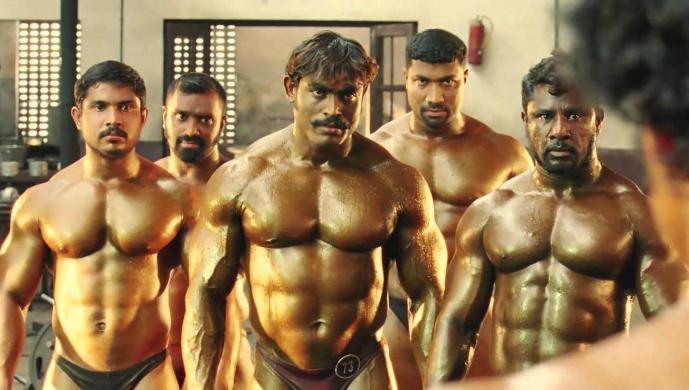 Драка индийских культуристов (бодибилдеров) взорвала интернет: Movie more risk fighting scene in indian cinemas