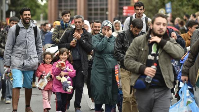 Интеграция беженцев будет стоить немцам десятки миллиардов
