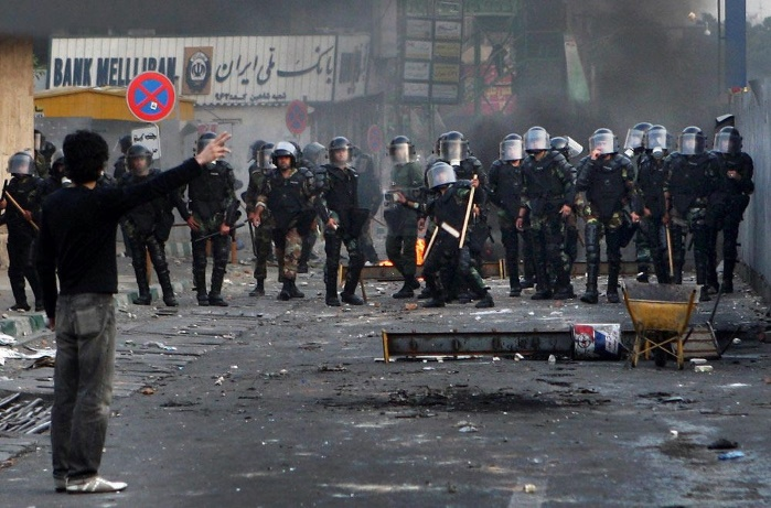 Иран: более десяти человек погибли во время беспорядков на акциях протеста