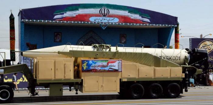 Иран продемонстрировал свою новую баллистическую ракету