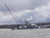 Иранский военный корабль Damavand переломился на две части