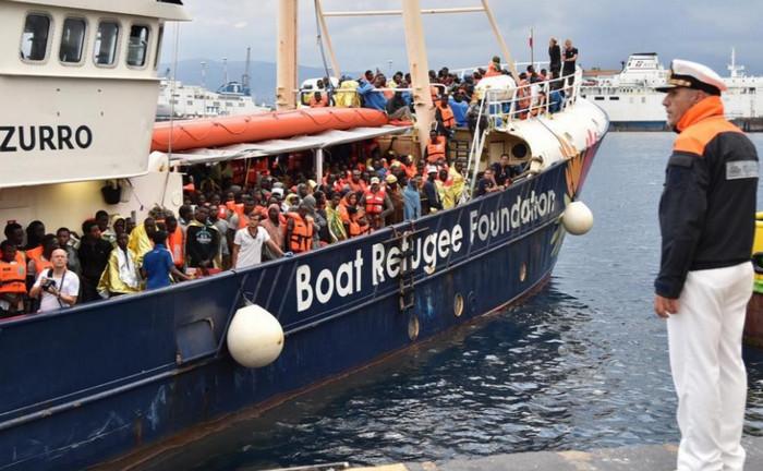 Испанская благотворительная организация спасла 230 мигрантов в Средиземном море