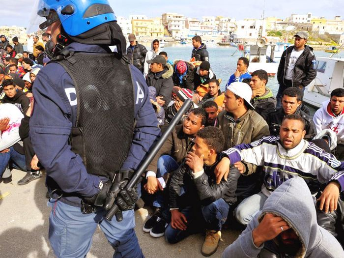 Италия нарушает права беженцев, - Amnesty International