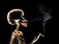 Из-за курильщиков мировая экономика теряет 1 триллион долларов в год, – ВОЗ