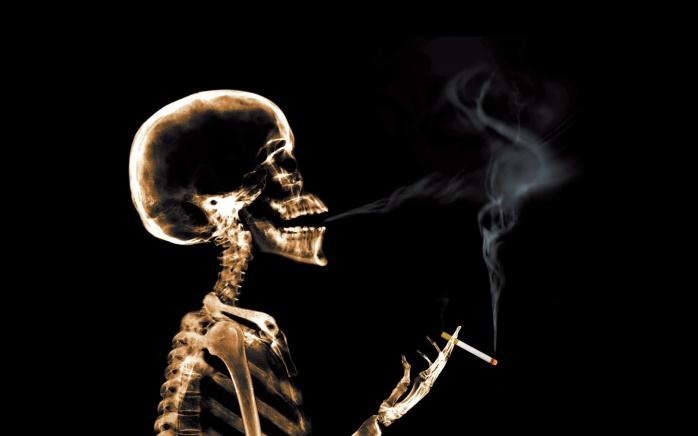 Из-за курильщиков мировая экономика теряет в 1 триллион долларов в год, – ВОЗ