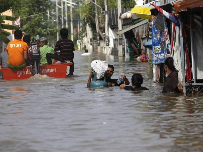 Из-за наводнения в Таиланде травмировано более 385 тыс человек, есть погибшие