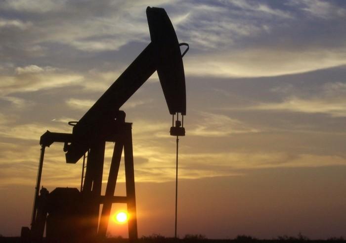 Из-за переизбытка на рынке 25 июля нефть продолжает дешеветь