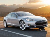 Из-за проблем с тормозом Tesla Motors отзывает 53 тыс. электромобилей