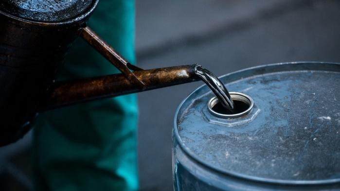 Из-за протестов в Иране нефть подорожала до 4-летнего максимума