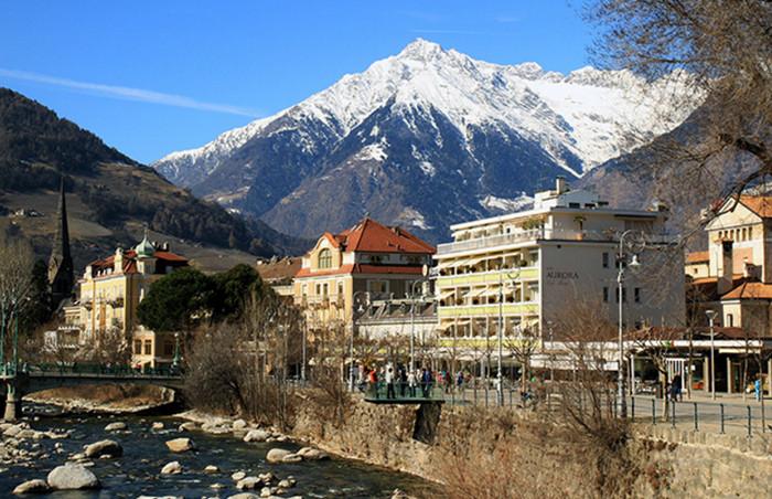 Из-за сильной жары в итальянских Альпах сходят грязевые лавины