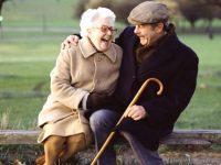 Как докупить недостающий минимальный страховой стаж для оформления пенсии в Украине?