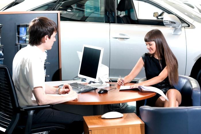 Купить авто в кредит выгодно или нет