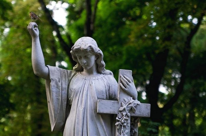 Как установить крест на могилу своими руками?