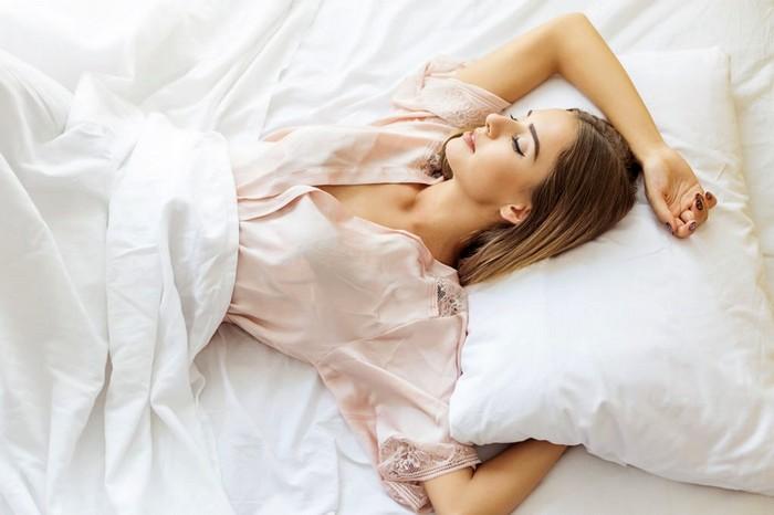 Сон на спине как правильно спать fdlx фото