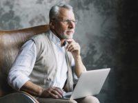 Какие документы нужны для оформления и получения пенсии по возрасту или инвалидности?