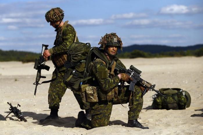 Канадское правительство отзывает своих военных из Польши