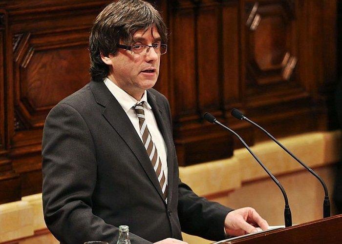 Каталонцы отложили объявление о своей независимости