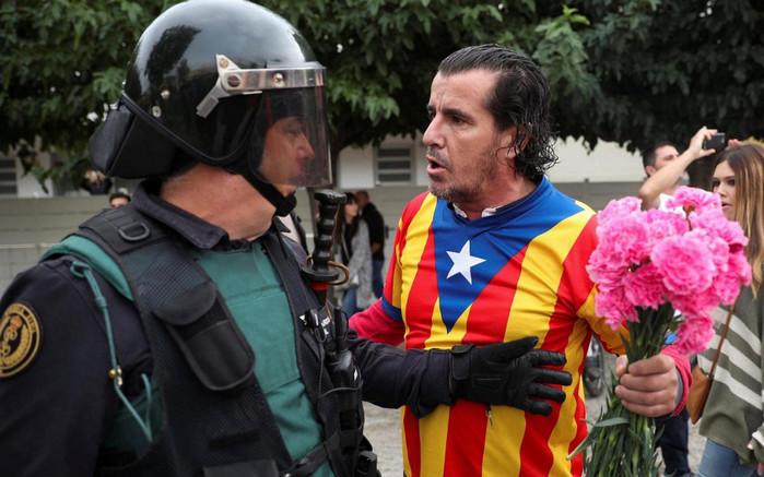 Каталония объявит независимость через несколько дней, - президент Карлес Пучдемон