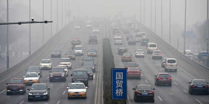 Китай поднимает налог на роскошные автомобили