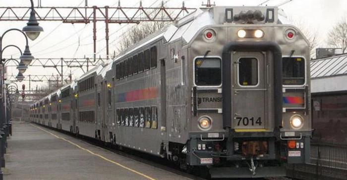 Китай производит двухэтажные поезда для США
