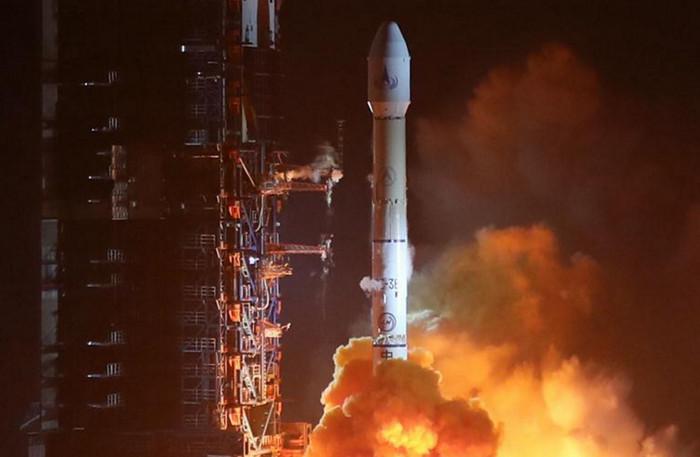 Китай запустил метеорологический спутник второго поколения