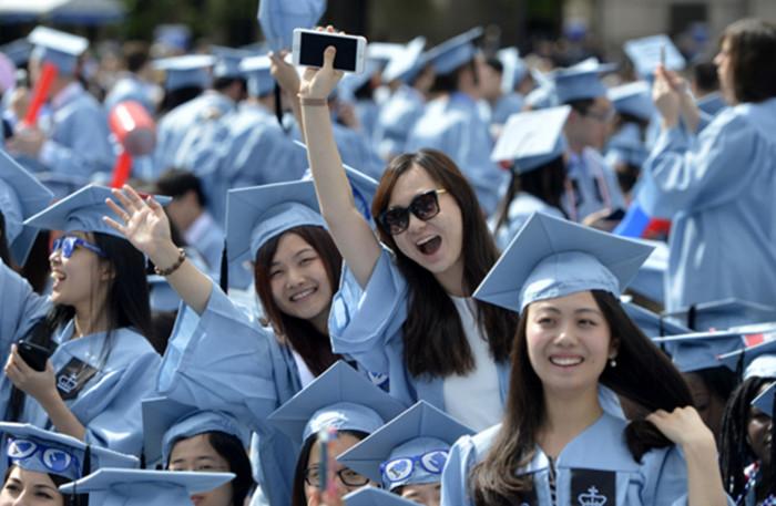 Китайские студенты после учебы в США и ЕС возвращаются работать на родину