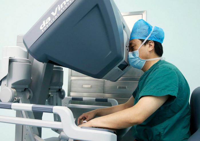 Китайские врачи используют виртуальную реальность для проведения операций