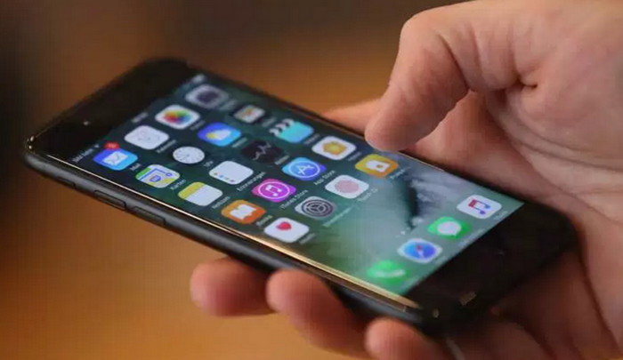 Компания Apple утверждает, что зафиксировала уязвимости Mac и iPhone, которые использовало ЦРУ