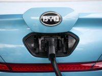 Компания BYD планирует получить около триллиона юаней от продаж электромобилей к 2025 году