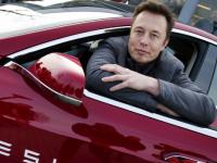 Компания Tesla перестала платить Илону Маску зарплату