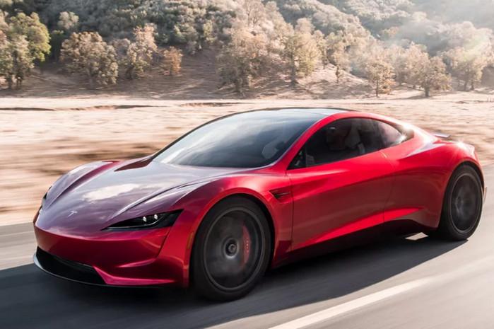 Компания Tesla представила новый родстер