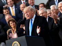 Конгресс окончательно одобрил крупнейшую налоговую реформу в США
