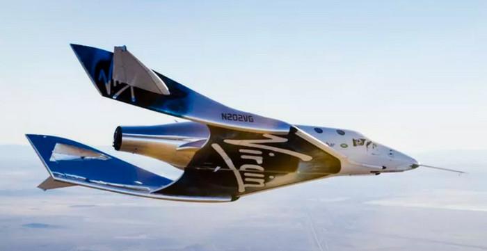 Космоплан SpaceShipTwo успешно выполнил первый планирующий спуск