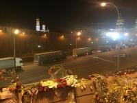 На Красной площади возле Кремля появилась колонна белых фур (фото)