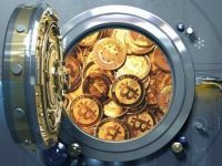 """""""Криптовалютная лихорадка"""": биткойн """"перепрыгнул"""" $18 тысяч, но позже """"откатился"""" до $17 тысяч"""