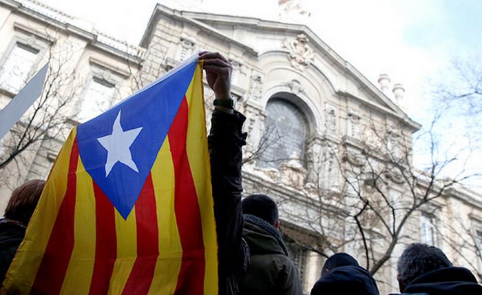 Кризис в Каталонии может вызвать гражданскую войну, - Гюнтер Оттингер
