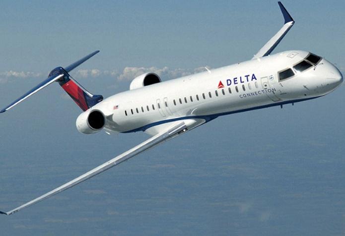 Крупнейшая авиакомпания Delta Airlines временно приостановила полеты по всему миру