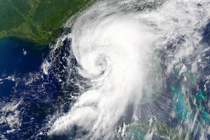 Кто и зачем дает имена ураганам